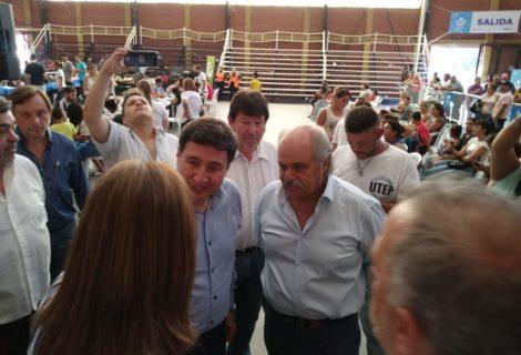 DANIEL ARROYO DIJO PRESENTE EN EL OPERATIVO DE ENTREGA DE LA TARJETA ALIMENTARIA EN EZEIZA